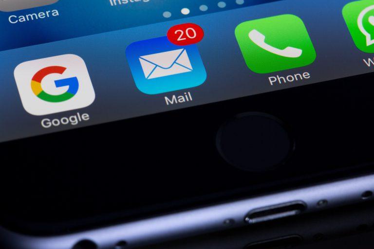 dla czego email nie dociera do skrzynki
